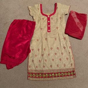 Dresses & Skirts - Bollywood Suit